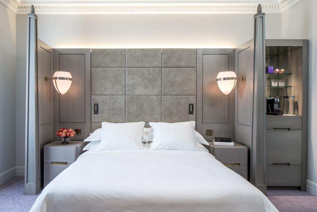 Le monument classé a été transformé en hôtel de luxe, dont l'architecture intérieure a été confiée à Bruno Moinard