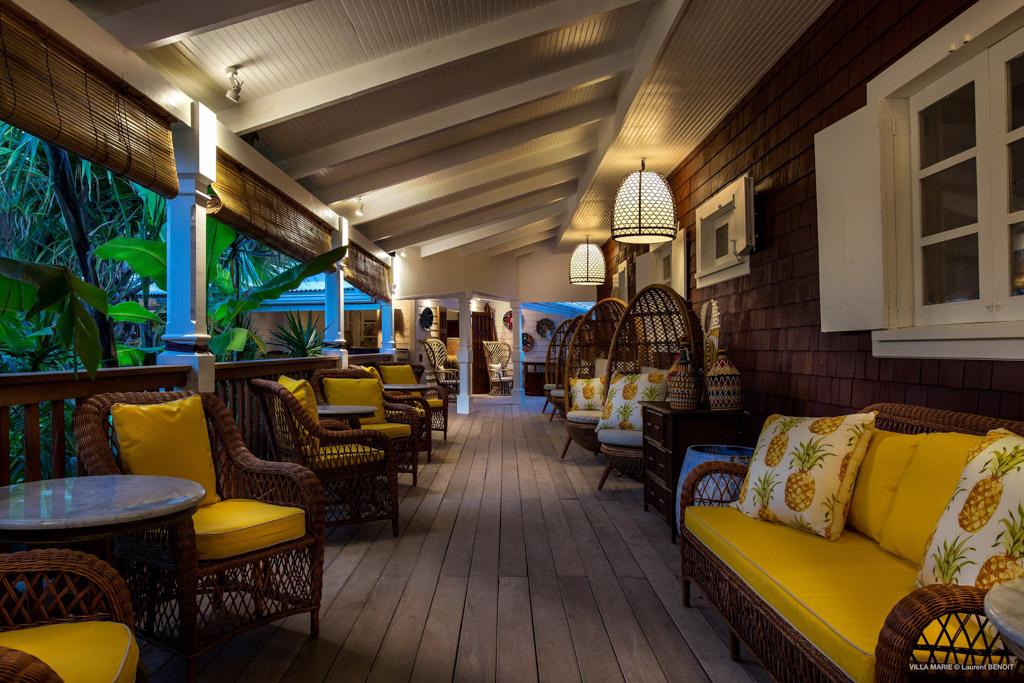 Les Sibuet, bien connus pour leurs prestigieux hôtels alpins (notamment à Megève) ont choisi ici de prendre possession d'une charmante propriété de style colonial