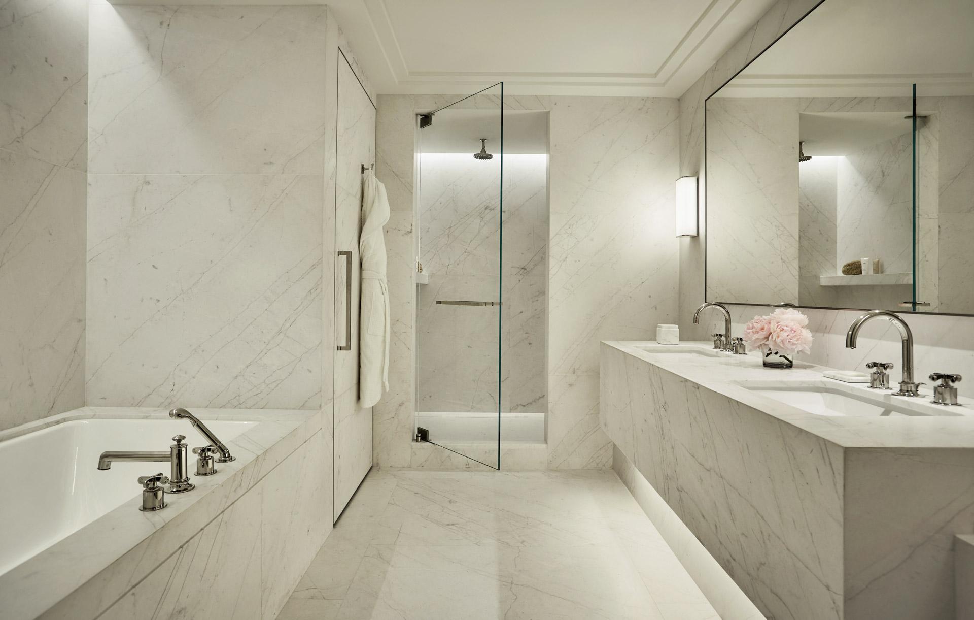 Lumineuses et luxueuses, le décor des chambres chambres évoqueAu cœur  « le passé, le présent et une allusion au futur »