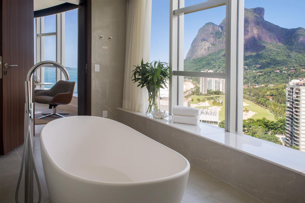 Autres particularité de l'hôtel, haut de plus de 30 étages, ses vues à couper le souffle sur la ville et l'océan