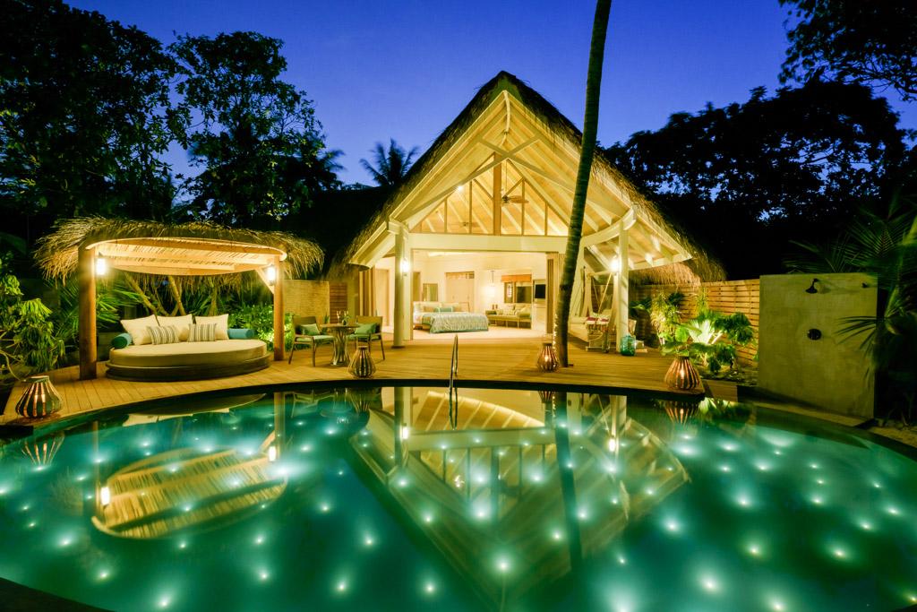 Au Milaidhoo, chaque villa dispose de sa propre piscine