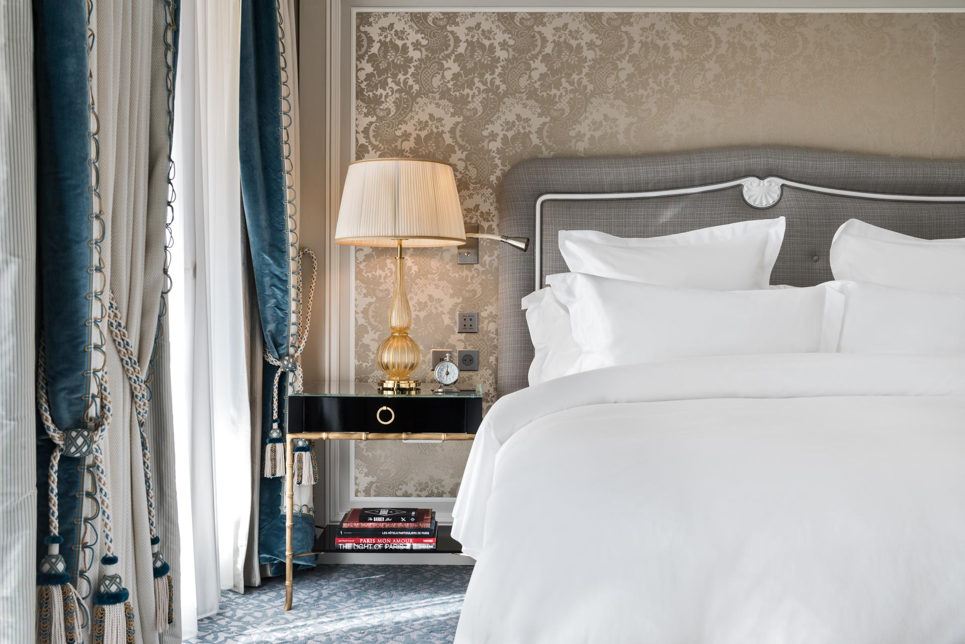 Les chambres, plus spacieuses, et bénéficiant de tout le confort d'un 5-étoiles, contemporain, ont une superficie minimale de 32m2