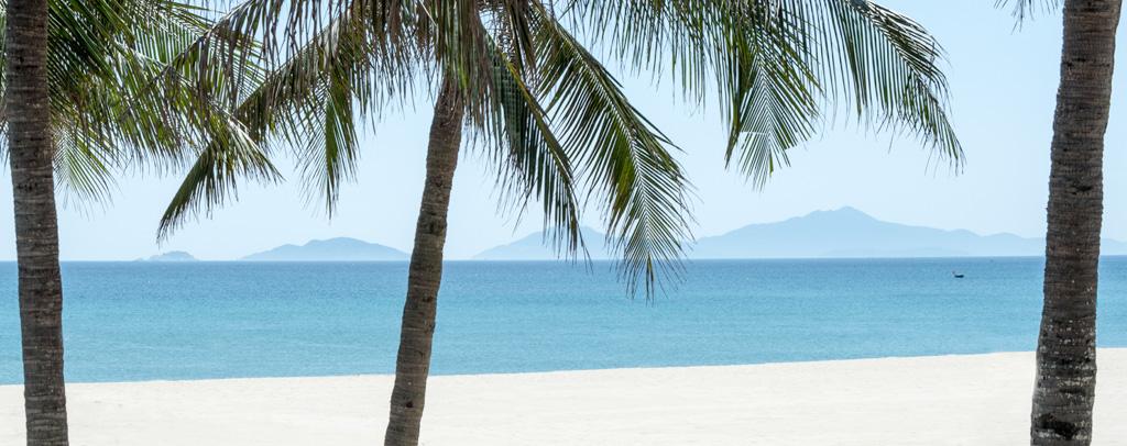 Luxe ultime, le Four Seasons The Nam Hai donne accès à une plage privée longue d'un kilomètre