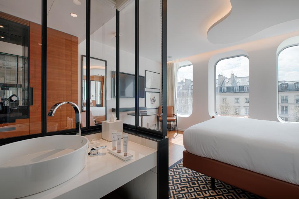 renaissance paris r publique le 5 toiles cool de l 39 est parisien. Black Bedroom Furniture Sets. Home Design Ideas