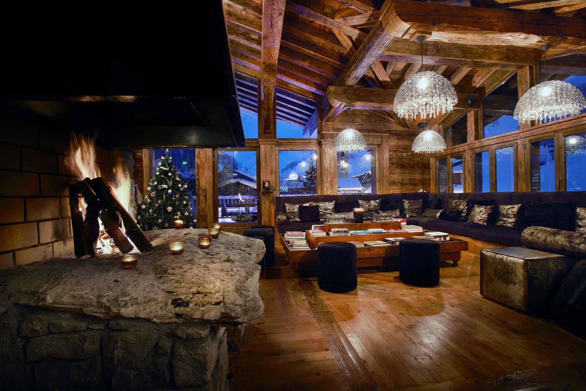 Quant au vaste Chalet Marco Polo, il peut accueillir jusqu'à 14 personnes à Val d'Isère