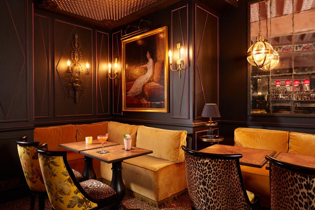 Le JoBo compte également un salon bar ouvert aux hôtes des chambres comme aux clients extérieurs