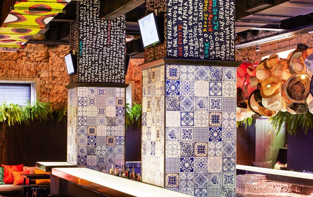 Le restaurant et le bar ont été conçus pour être le lieu de vie de l'hôtel