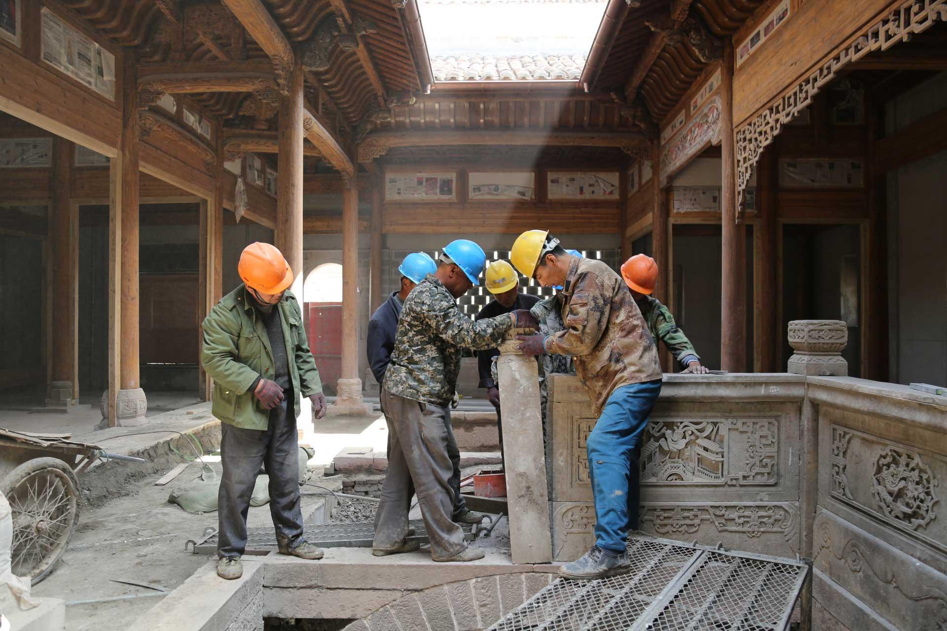 Plus de 50 maisons antiques ont été démontées puis remontées, pierre par pierre