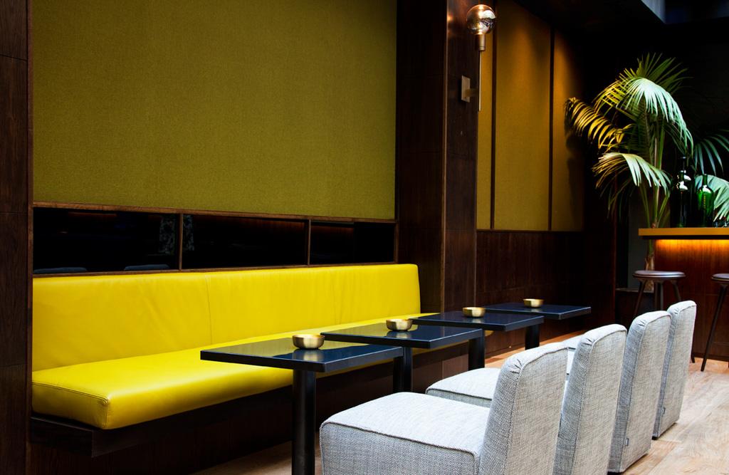 TÓTEM compte déjà un bar très confortable, en attendant l'ouverture d'un restaurant et bar à cocktails Inspiré du roman Les Heureux et les Damnés de F. Scott Fitzgerald