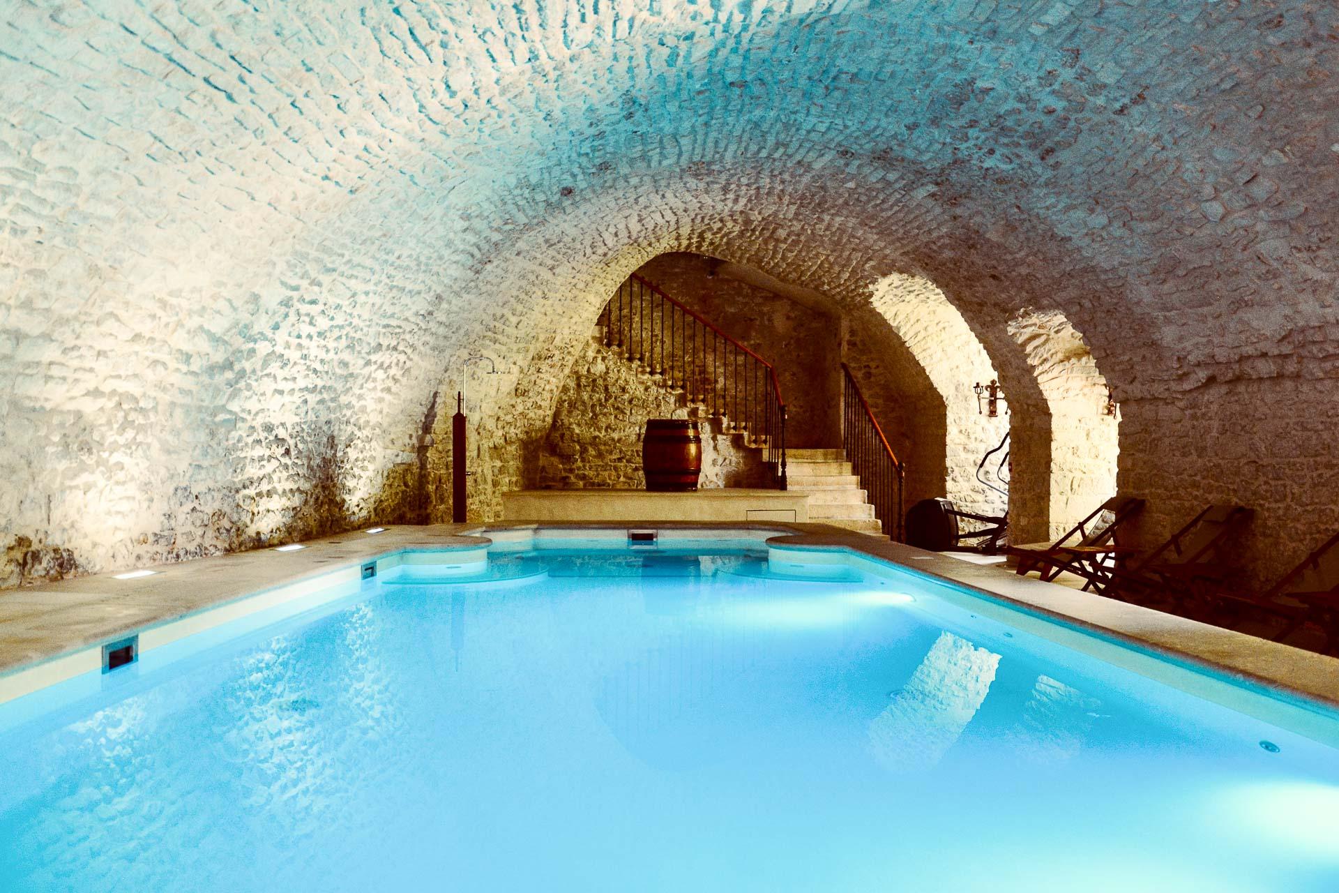 Hôtel Château de Vault de Lugny : piscine.
