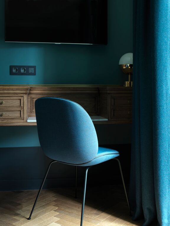 Dans chaque chambre, un charmant bureau