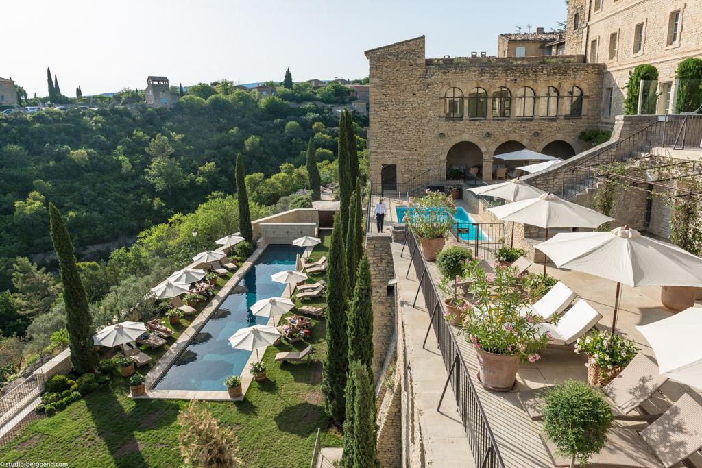 Les piscines de la Bastide de Gordes rendent à elles-seules le lieu magique