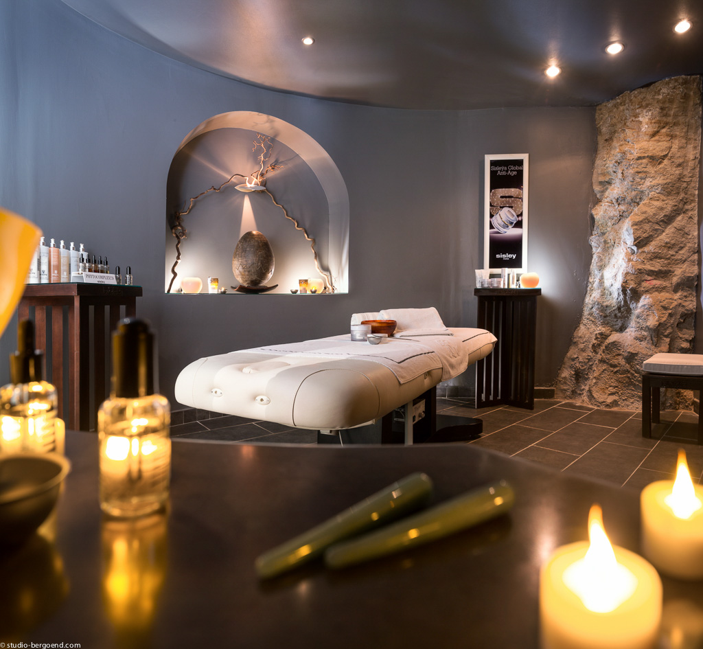 La Bastide compte également un Spa Sisley d'une superficie de 800 m² pour se relaxer
