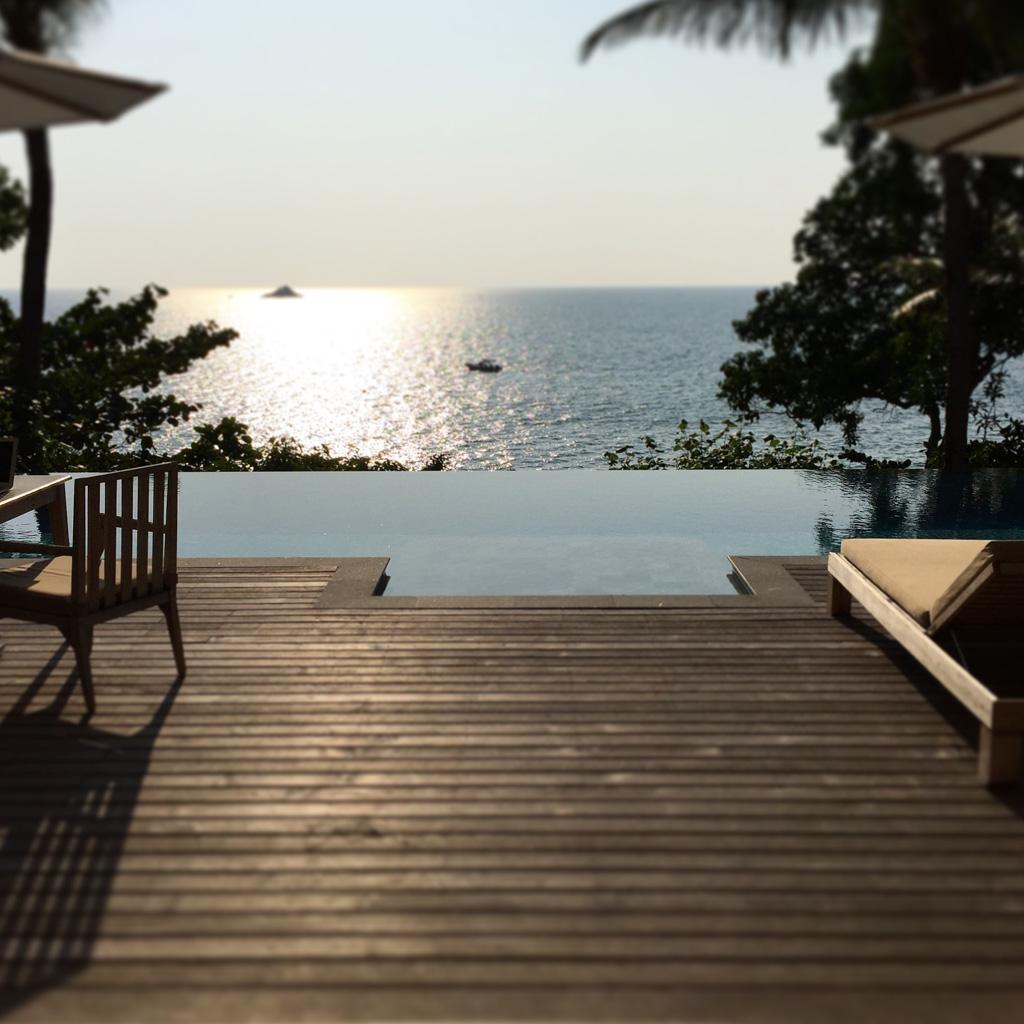 Vue depuis la terrasse d'une Ocean View Pool Villa