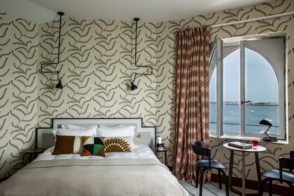 le castelbrac nouvelle toile sur la c te d 39 meraude yonder. Black Bedroom Furniture Sets. Home Design Ideas