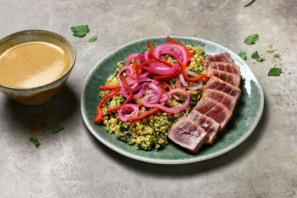 Tataki de thon, quinoa et leche del tigre de Juan Arbelaez
