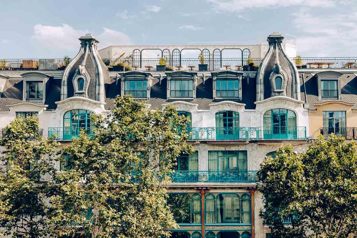 La façade Art Nouveau du Kimpton St Honoré Paris © Jérôme Galland