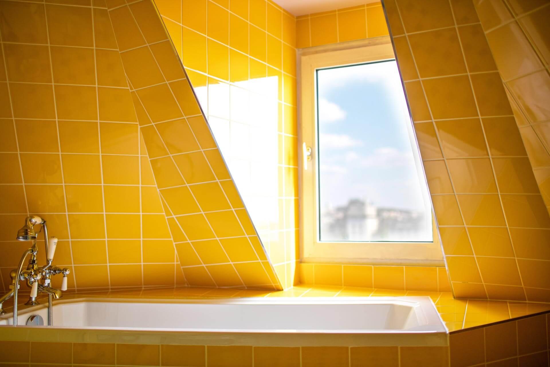 Hôtel Les Deux Gares — salle de bain © DR