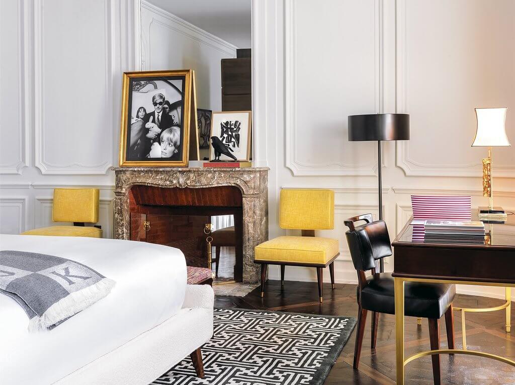 Après Florence, Capri et Rome, l'enseigne italienne de luxe J.K. Place a inauguré à Paris son premier hôtel en dehors d'Italie. 29 chambres et suites luxueuses, un spa Sisley avec piscine et un restaurant aux saveurs transalpines font déjà de ce 5-étoiles l'un des plus beaux hôtels de la capitale.