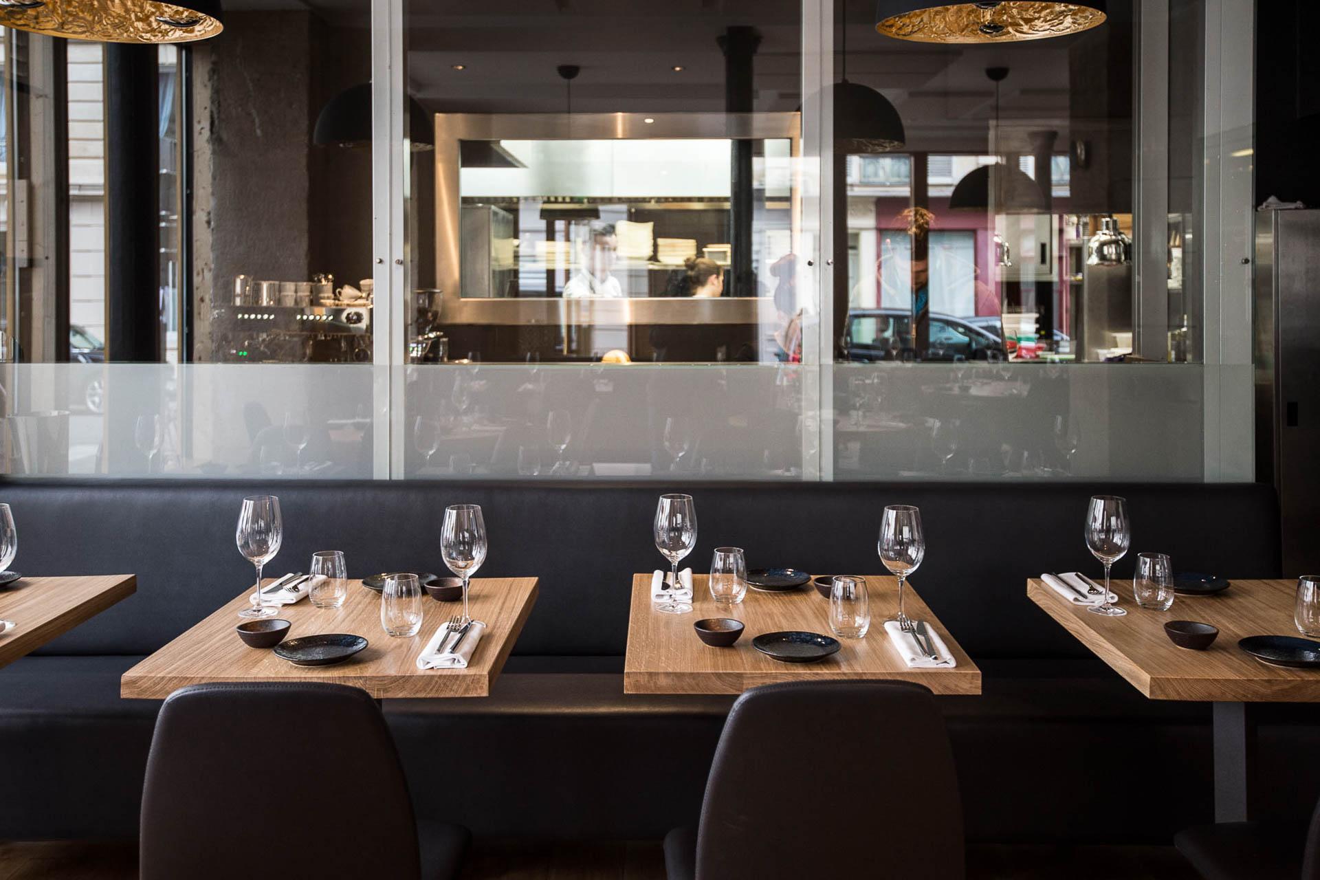 Julia Sedefdjian, plus jeune cheffe étoilée de France, accompagnée de Sébastien Jean-Joseph et Grégory Anelka, vient d'inaugurer Baieta, son premier restaurant dans le 5ème arrondissement de Paris. On est parti y planter notre fourchette.