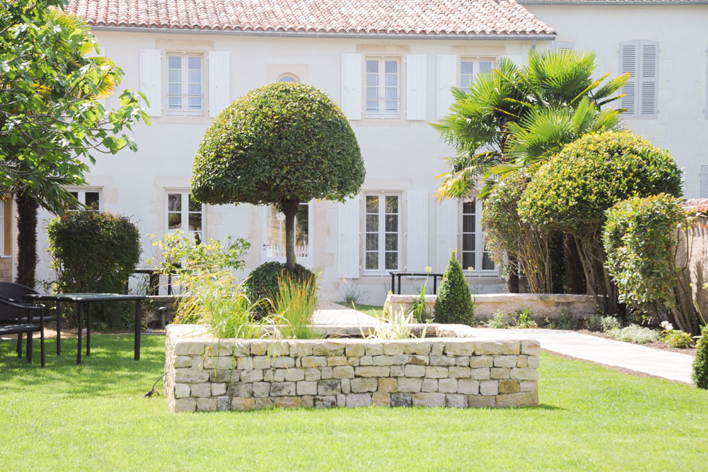 Les plus beaux h tels de france la villa clarisse for Restaurant jardin ile de france
