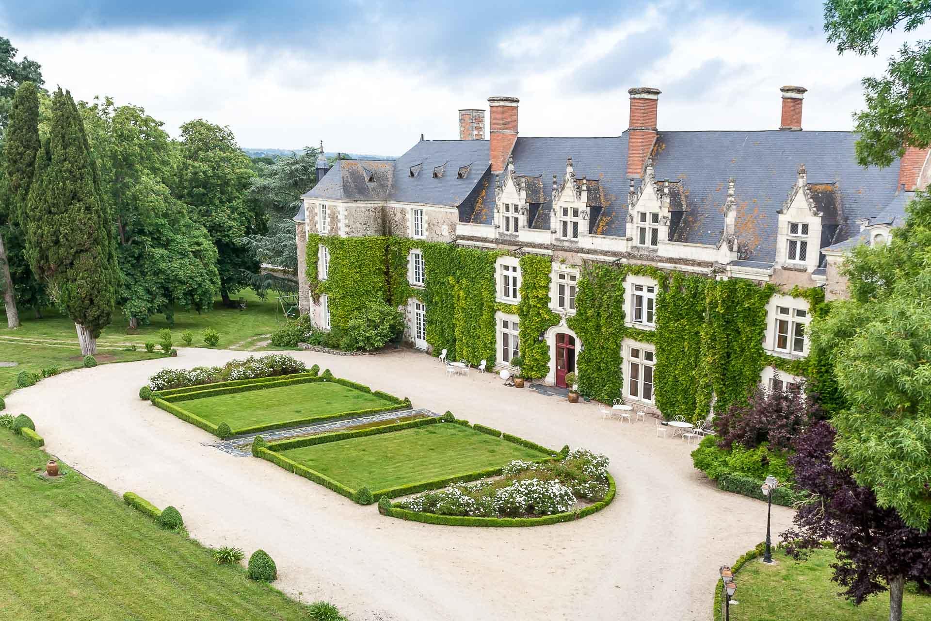 Les plus beaux hôtels du Val de Loire ? Retrouvez notre sélection d'hôtels charme et luxe dans cette région inscrite au Patrimoine mondial de l'UNESCO, à deux pas de ses si célèbres châteaux et vignobles.