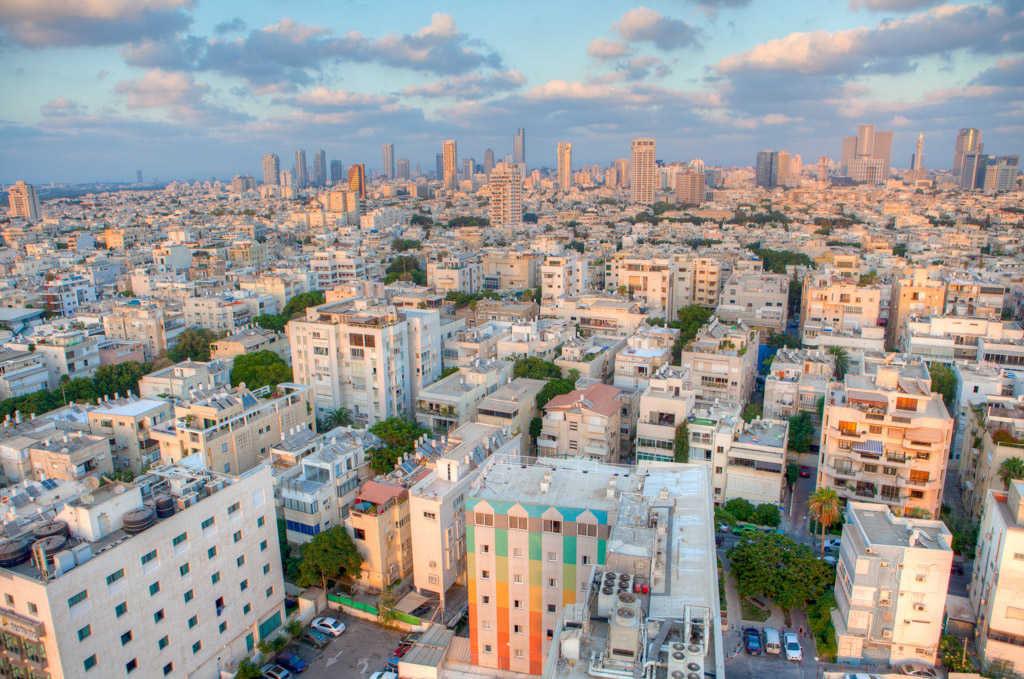 Appelée la bulle, Tel Aviv se vit intensément aux dédales de rues, des cafés et des des plages sans donner le tournis, voici les meilleures adresses d'une ville mêlant joyeusement Orient et Occident.