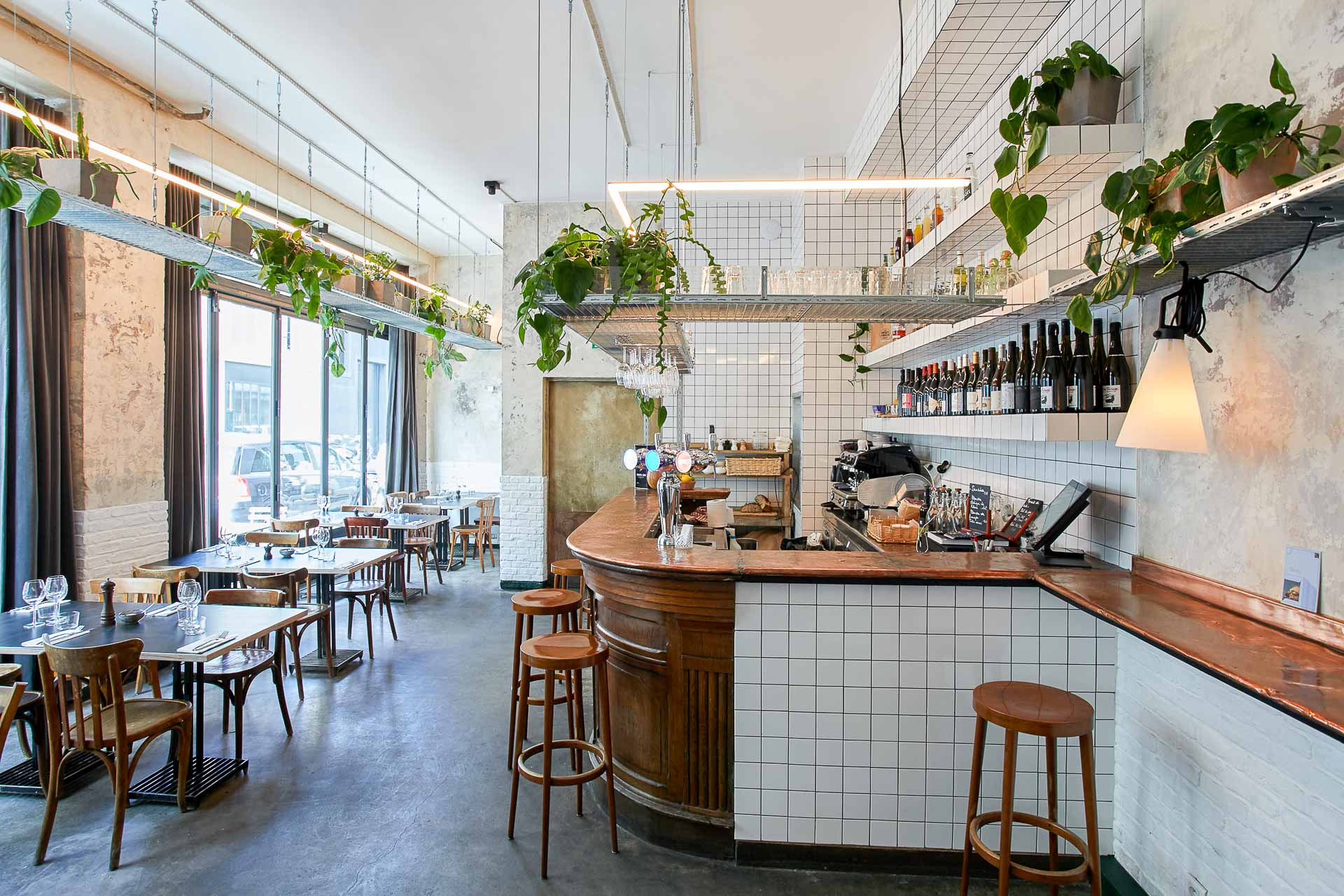 Ce ne sont pas des ouvertures mais des restaurants qui ont récemment évolué (changements d'équipes, nouveaux décors, concepts repensés…). Sélection de 5 tables parisiennes dans le coup, à (re)découvrir d'urgence cet automne.