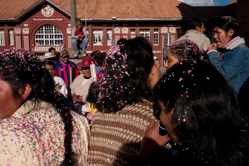 Scène de rue pendant la période de célébration de la Fête-Dieu. Cuzco, Pérou - Mai 2008