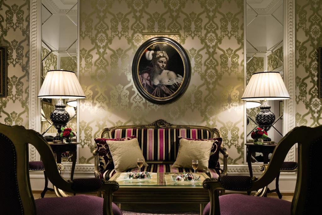 Il y a quelques semaines, le Belmond Grand Hotel Europe à Saint-Pétersbourg fêtait ses 140 ans lors d'une fête fastueuse. L'occasion rêvée de vous présenter cet hôtel de légende au cœur de la ville de Pierre le Grand.