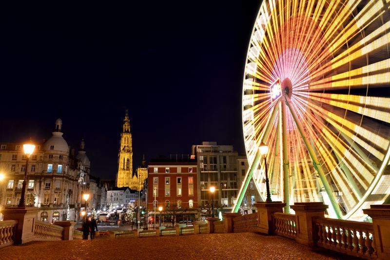 Alors que les vacances d'été sont déjà lointaines et que le froid s'installe en Europe, la question de savoir où s'échapper le temps d'un week-end est posée. Entre Bruxelles et Amsterdam, Anvers a de sérieux atouts  à faire valoir. On vous explique pourquoi filer à Anvers cet hiver !