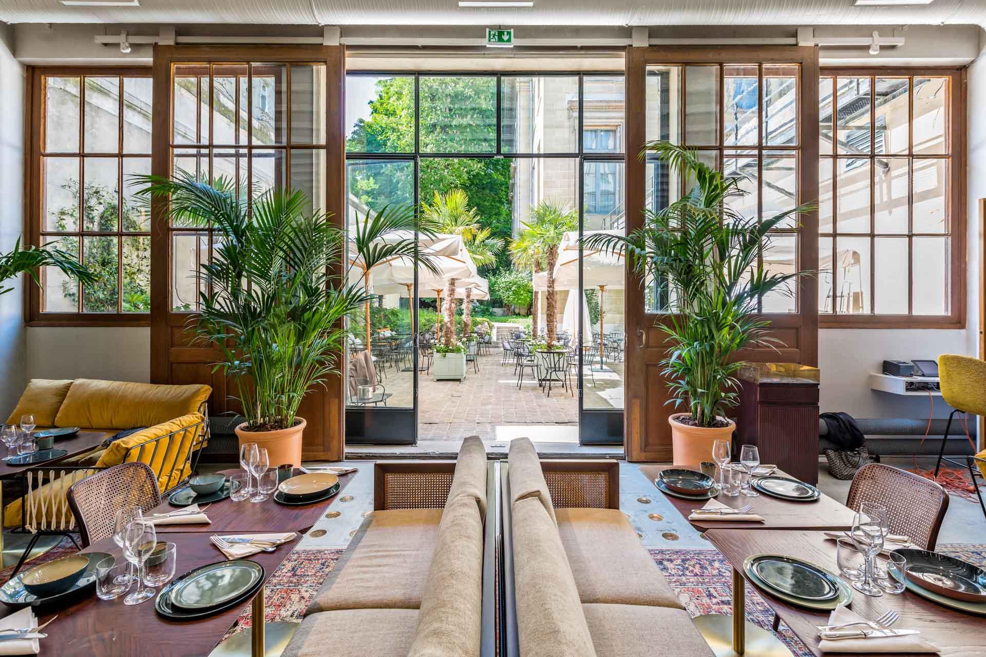 Comme chaque saison, nous vous proposons une sélection des meilleurs nouveaux restaurants à Paris. Toutes les tables où réserver cet été, c'est par ici !