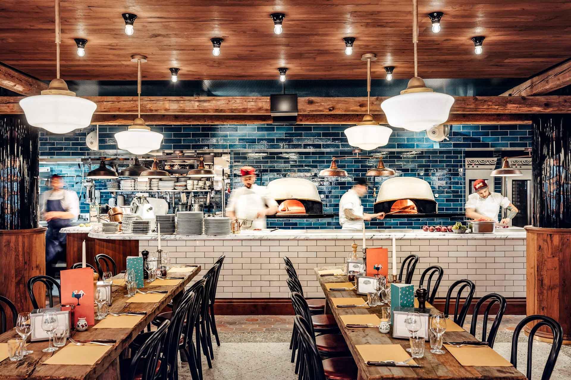 Comme chaque saison, nous vous proposons une sélection des meilleurs nouveaux restaurants à Paris. Toutes les adresses à connaître ce printemps, c'est par ici !
