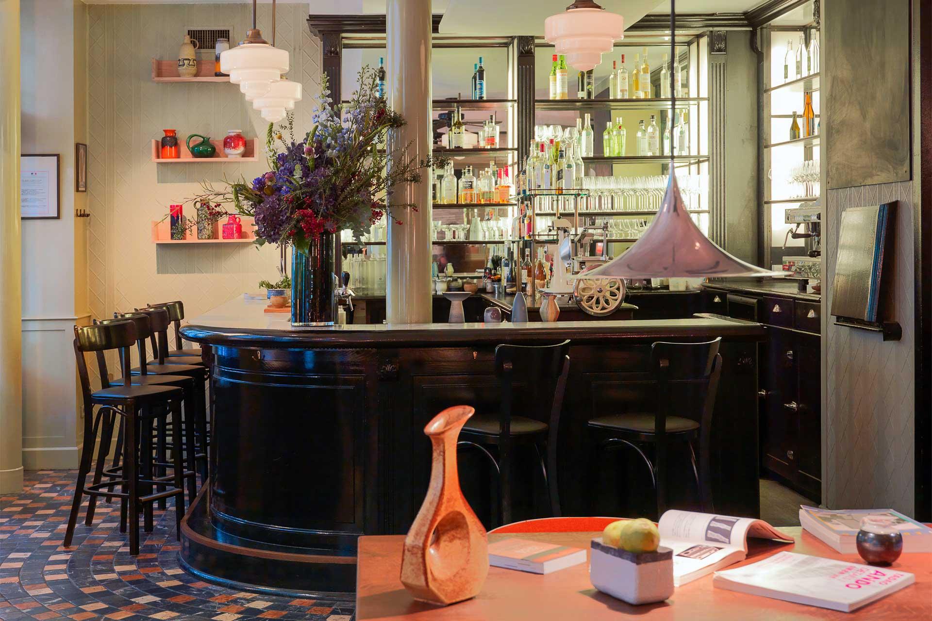 Les saisons se suivent et se ressemblent à Paris. L'actualité de la scène gastronomique reste très dense avec plus d'une vingtaine d'adresses remarquées par la rédaction de YONDER. On fait le point complet sur les meilleurs nouveaux restaurants du moment à Paris.