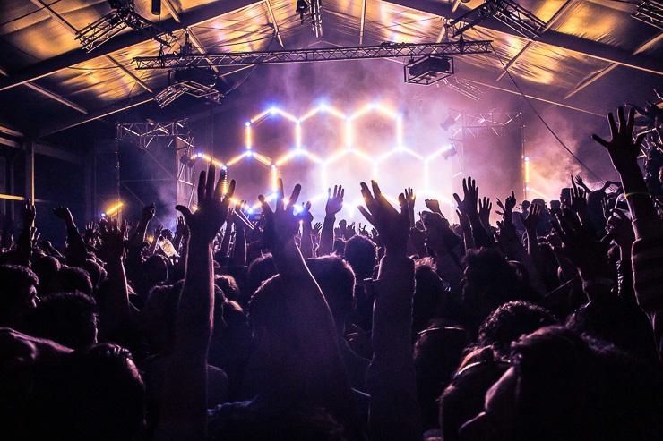 On assiste depuis quelques années à une véritable explosion du nombre de festivals électro, en France mais aussi en Europe et partout dans le monde. Pour vous aider à vous y retrouver dans cette jungle des temps modernes, Yonder a fait son classement.