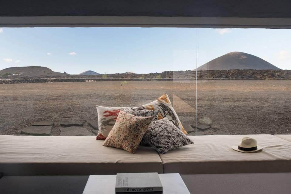 Découvrez notre sélection de 8 adresses de charme à Lanzarote (Îles Canaries), entre hôtels, fincas, villas et chambres d'hôtes.