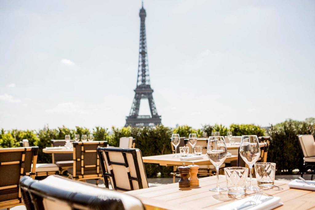 La terrasse du Café de l'Homme rénové, l'un des hot spots de l'été parisien.