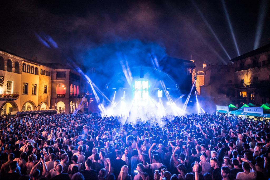 Le mythique festival de musiques électroniques Sónar aura lieu à Barcelone du 16 au 18 juin prochain. Comme l'an passé, on fait le point sur les évènements les plus marquants de la « off week » qui l'accompagne.
