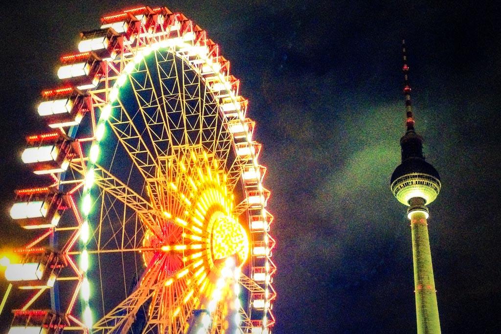 Vue de Berlin la nuit - © CC Fraser Mummery