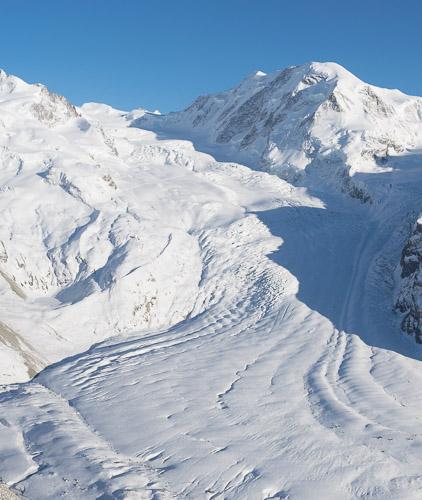 Pouvez-vous identifier la cabane du Mont Rose dans le paysage ? Réponse sur l'image suivante.