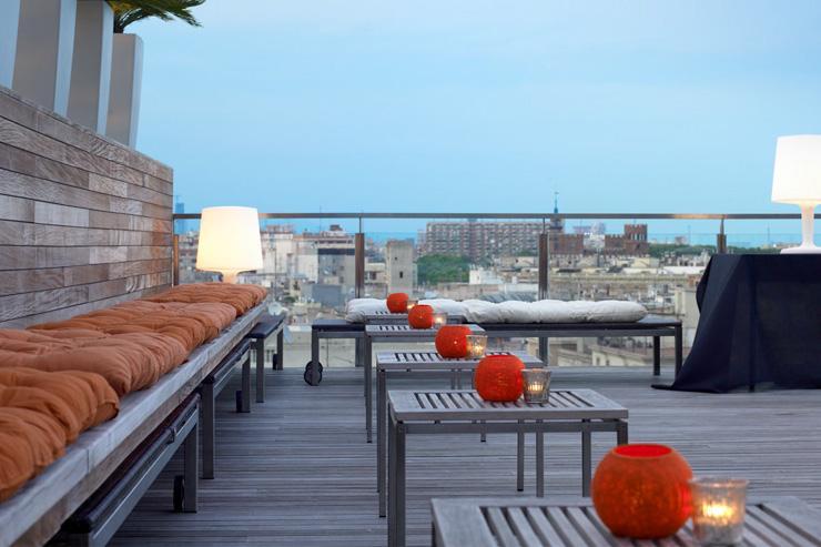 Skybar - Grand Hotel Central - La terrasse surplombe les toits de la ville