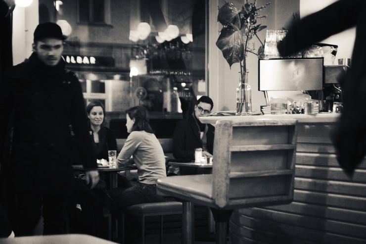 Intérieur du Café 103
