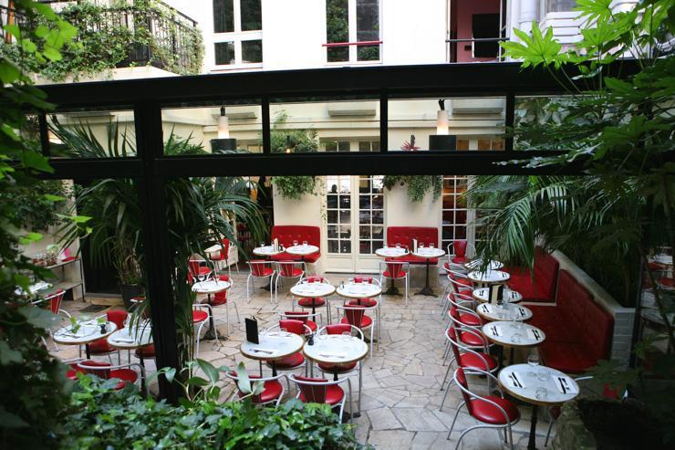 Terrasse de l'Hôtel Amour