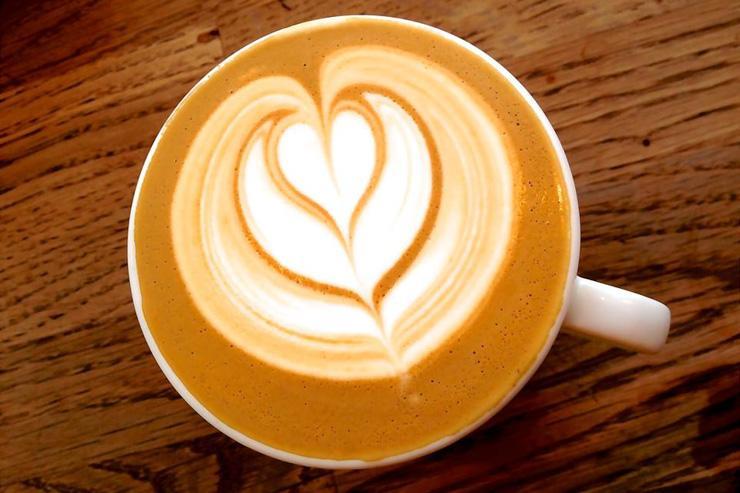 Café servi au Kooka Boora