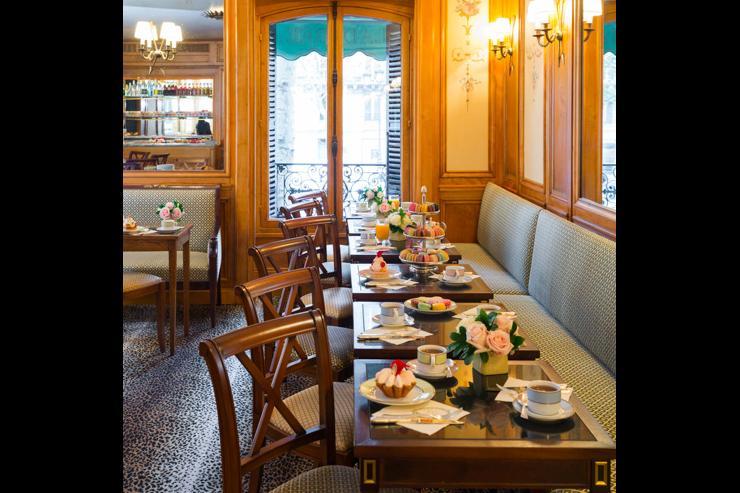 Ladurée - Premier étage du salon de thé rue Royale