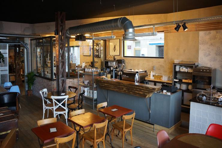 Intérieur du Café Lomi