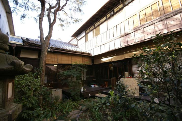 Le jardin du salon de thé Kasoyo