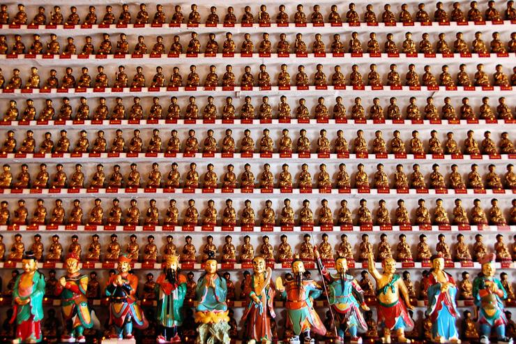 Monastère aux Dix Milles Bouddhas - Des bouddhas par milliers