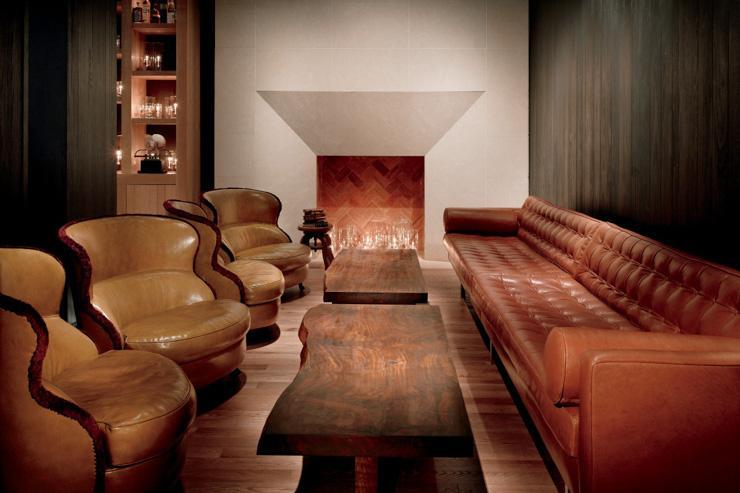 Andaz Fifth Avenue - Coin cheminée au bar de l'hôtel