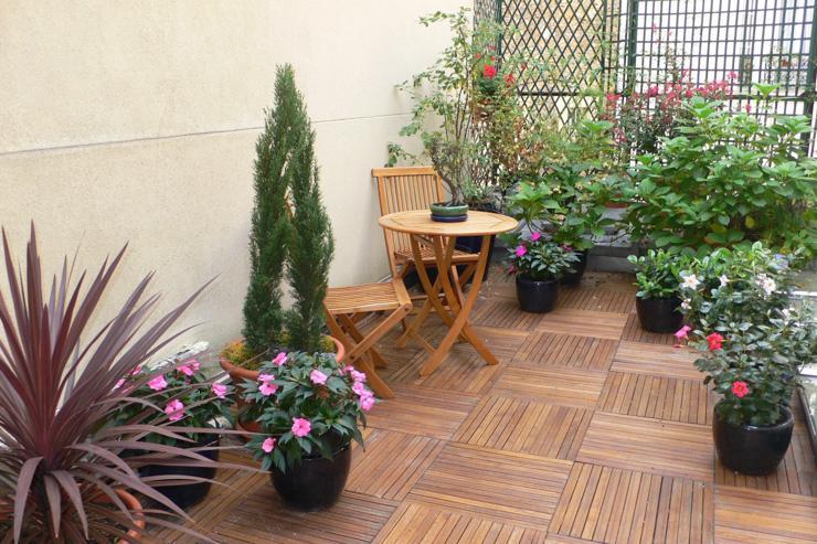 Le jardin de l'hôtel, en terrasse